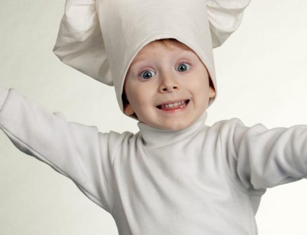 Crianças na cozinha: Pode ou não pode?