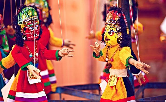 Fantasia: Teatro de fantoches e marionetes são excelentes para estimular a imaginação.