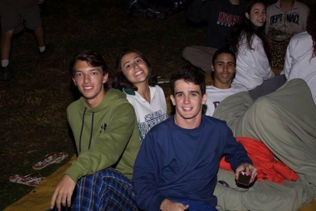 Juliana (ao centro) durante a temporada de inverno no Paiol
