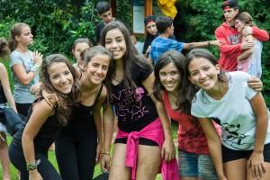 Pais em Apuros - Viajar com amigos/irmãos facilita na adaptação ;)