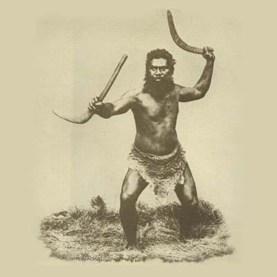Os exemplares australianos mais antigos foram encontrados pelo arqueólogo Roger Luebbers, em 1973, com uma data estimada de 9 mil anos.